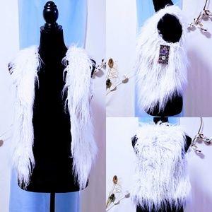 Faux fur white vest size XS 🦄💋